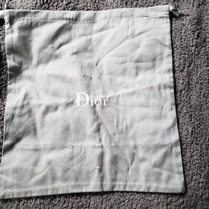 2 cloth bags